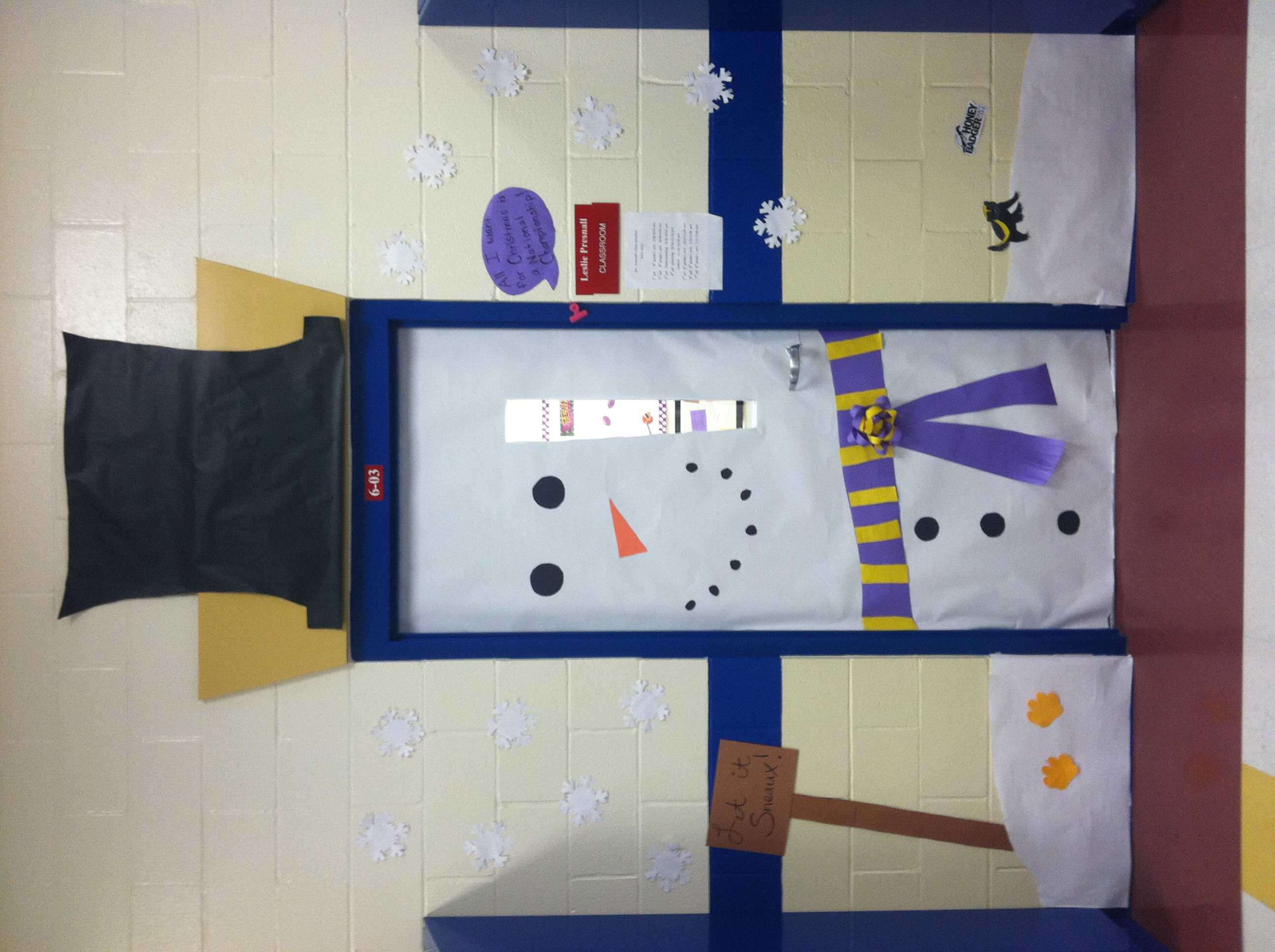 Christmas door decorating contest southern flair Class door winter decorations