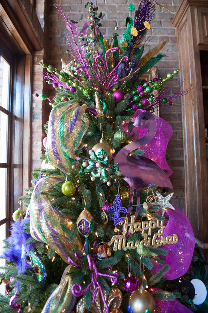 A Christmas Tree turned Mardi Gras ready! - Southern Flair