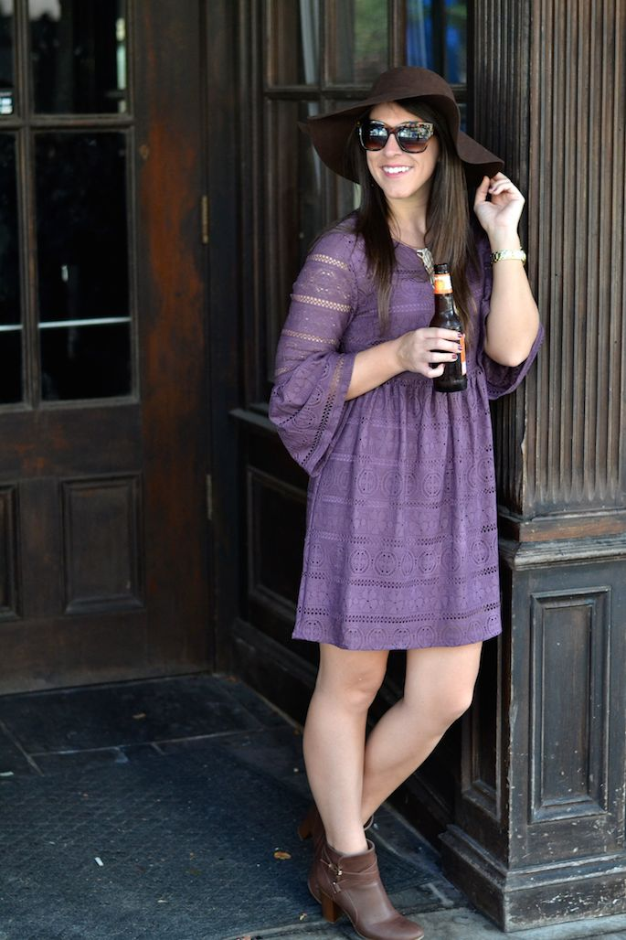 Vintage Lavender & Lace Dress from The Preppy Tiger Boutique -- perfect for LSU game day! Check out my favorite restaurants and bars in Baton Rouge to watch an LSU football game!
