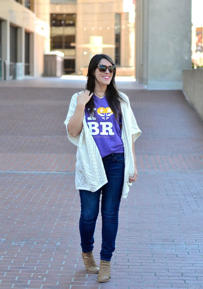 Things to do in the fall in Baton Rouge, Louisiana! Check out Southern Flair's Fall Bucket List! | Wearing: I Heart BR Tee from SFT