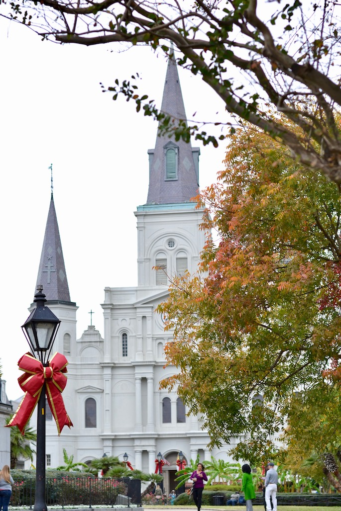 A Holiday Travel Guide To New Orleans - What to see, eat, drink and do during Christmas in Louisiana!