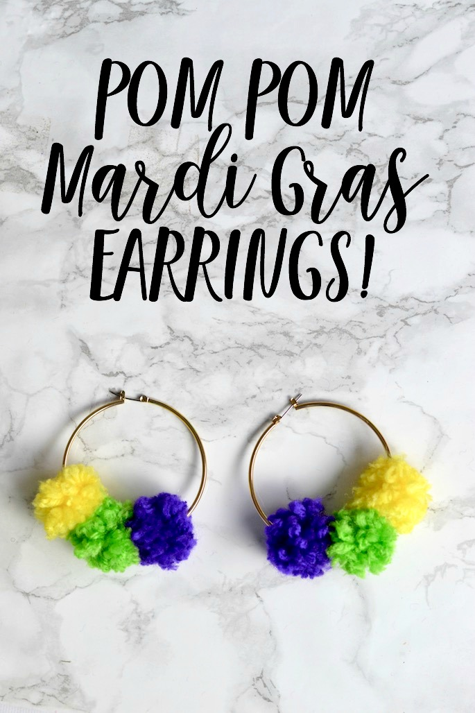 How cute are these easy DIY Pom Pom Mardi Gras earrings? Perfect for Louisiana parades! See how to make them on Southern Flair!