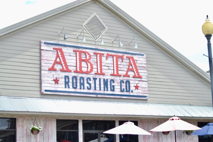 Stop for breakfast and coffee at Abita Roasting Co, located in downtown Covington, Louisiana | A Weekend Travel Guide
