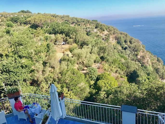 How to spend three days in Sorrento, Italy | What to do in Sorrento Italy with trips to Capri and Pompeii
