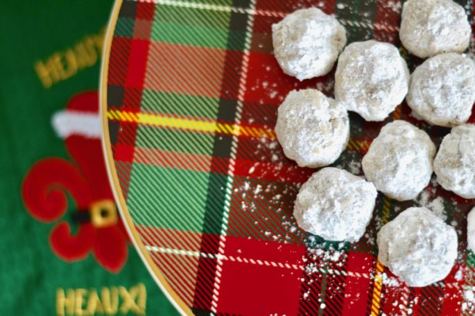 Louisiana Pecan Ball Cookie Recipe - or Swedish Pecan Balls - The perfect holiday cookie!